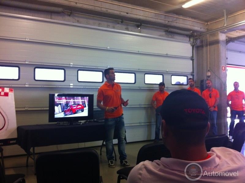 Explicação sobre Test-Drive ao Toyota GT 86