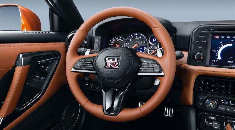 Nissan GT-R 2017 Painel Instrumentos